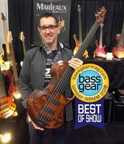 "Gerald Marleaux mit dem ""Bass Gear Magazine's - Best of Show Award"" Bass - CONTRA Fretless 5-Saiter"
